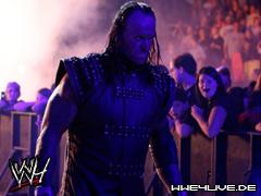 >> Da House Of The Dead Show [Ted Dibiase Jr.] 4live-undertaker-11.09.09.1