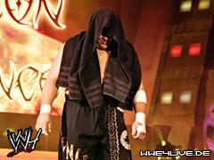 The Miz & Samoa Joe & Mike Knox & Kane & Ted Dibiase & The Nergal Vs Randy Orton & John Cena & Christian & Rey Mysterio & CM Punk & Shawn Michaels 4live-samoa.joe-05.09.1