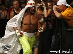 Résultats du Royal Rumble 2013 Sabu_entrance_01_2