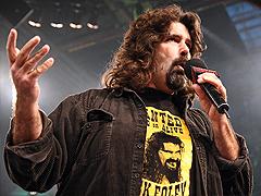 Mick Foley veut un adversaire de taille Mick4_Ebene_1