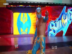 Cody Rhode vs Shawn Micheals vs Sin Cara Vlcsnap-2011-04-13-13h08m13s128