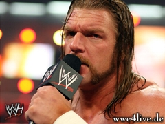 >> Shawn Michaels Go In This Ring !! Triple_H_speak_01_2